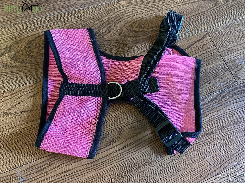 How to Pick Out a Cat Harness - Vest-style Harness